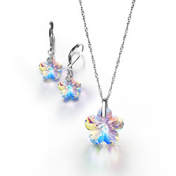 Collar + Aretes Kristalia